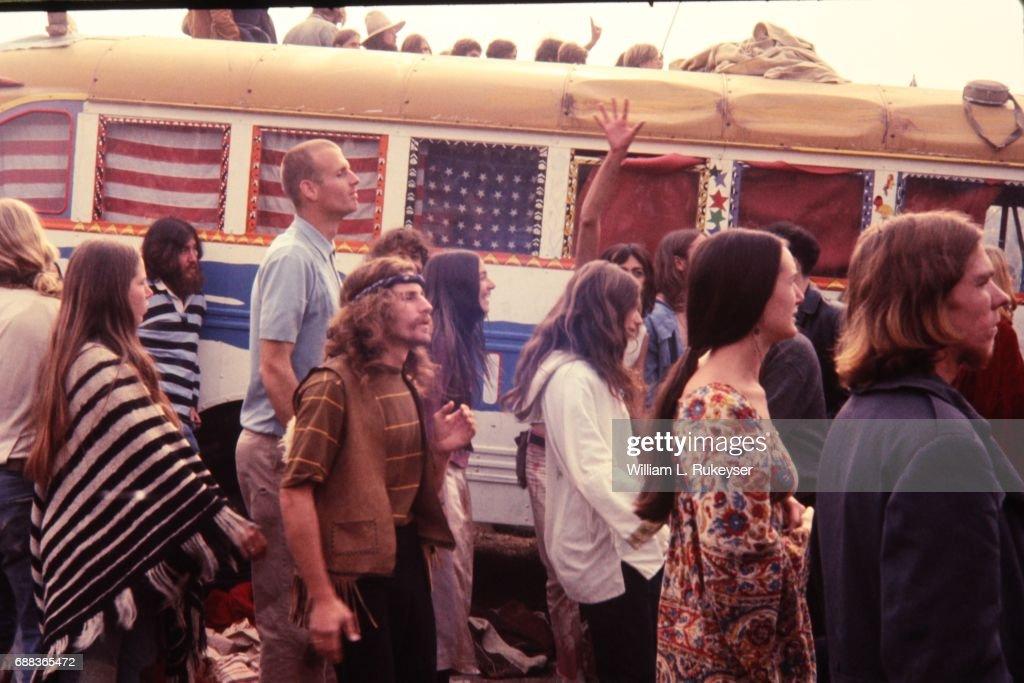 Altamont Concert - Hippie school bus : News Photo