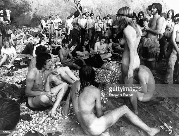 Hippies nus sur l'Ile de Wight RoyaumeUni le 31 août 1970