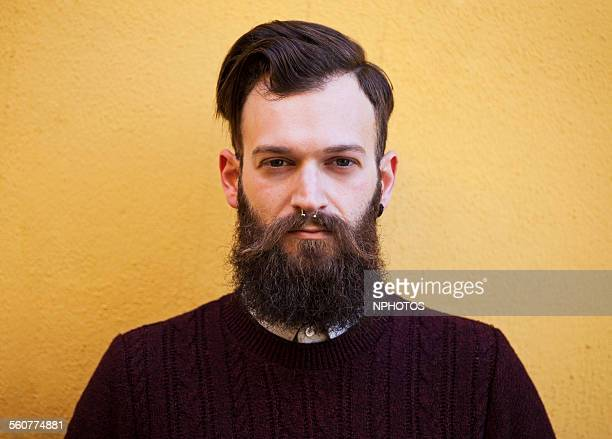 hipster man with beard - barba peluria del viso foto e immagini stock