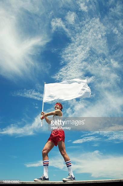 ヒップスターオタク選手手を振るブランク白いフラグ屋外ブルースカイ
