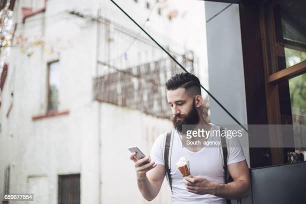 Hipster met ijs