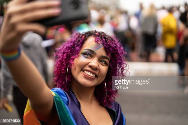 hipster young girl taking a selfie at street - generation z stock pictures, royalty-free photos & images