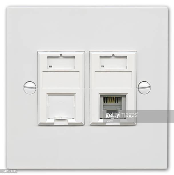 Hi-res réseau outlet avec un Tracé de détourage sur fond blanc
