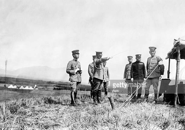 Hirohito japanese emperor in 1926-1989, here c. 1925 with general Yoshifuru Akiyama .