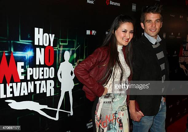 Hiromi Hayakawa and Mario Spulveda attend the red carpet of 'Hoy no me puedo levantar' at Almada Theater on February 18 2014 in Mexico City Mexico