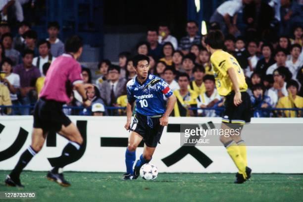 Hiromitsu Isogai of Gamba Osaka in action during the J.League Nicos Series match between Kashiwa Reysol and Gamba Osaka at the Hitachi Kashiwa Soccer...