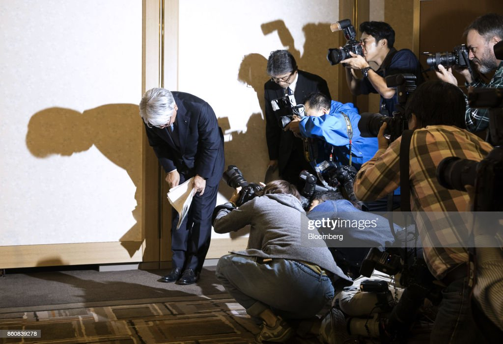 Hiroya Kawasaki, president and chief executive officer of Kobe Steel Ltd., bows as he leaves a news conference in Tokyo, Japan, Friday, Oct. 13, 2017. Kobe Steel said the crisis over faked quality controls has expanded to include another nine products, including items manufactured outside Japan and shipped as long ago as 2007, and that the number of affected customers has risen to about 500. Photographer: Shiho Fukada/Bloomberg via Getty Images