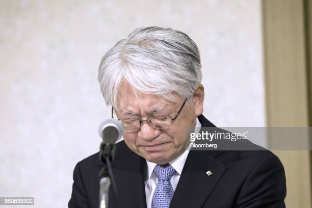 Hiroya Kawasaki president and chief executive officer of Kobe Steel Ltd looks down during a news conference in Tokyo Japan Friday Oct 13 2017 Kobe...