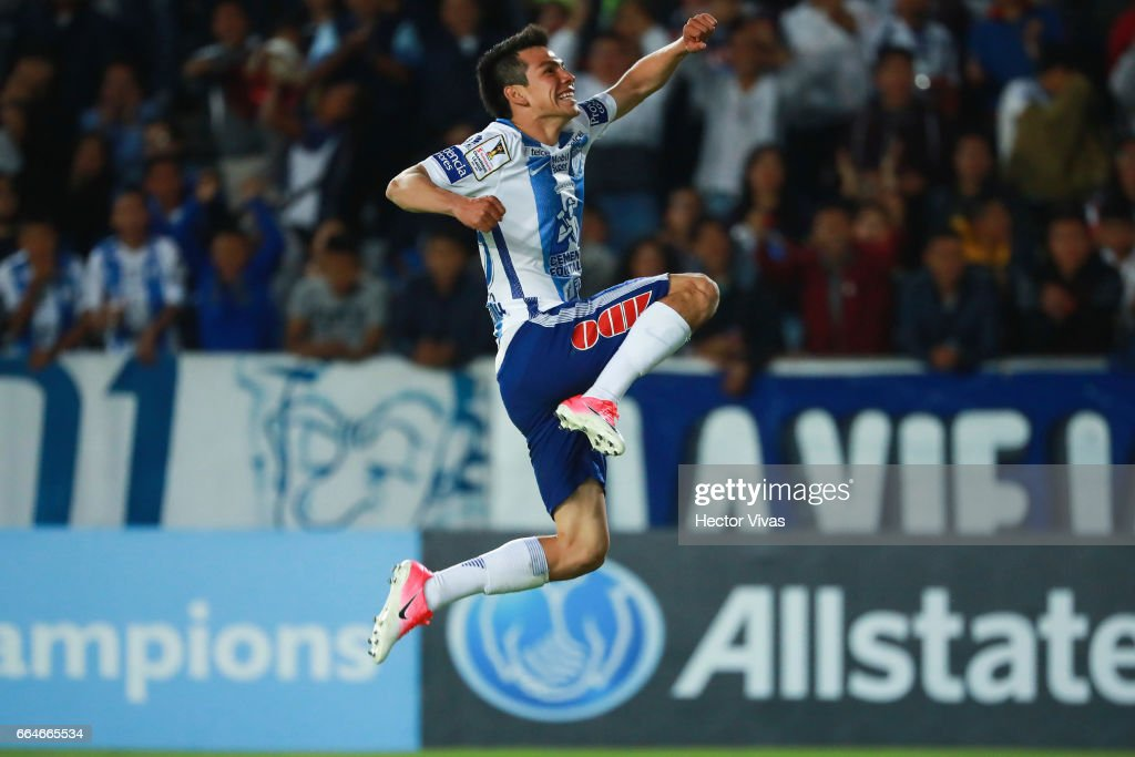 Hirving Lozano of Pachuca celebrates after scoring the second goal of his team during the semifinals second leg match between Pachuca and FC Dallas as part of the CONCACAF Champions League 2017 at Hidalgo Stadium on April 04, 2017 in Pachuca, Mexico.