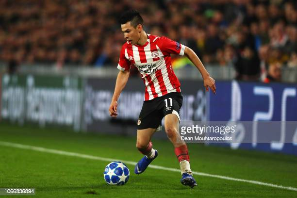 Hirving Lozano of PSV in action during the Group B match of the UEFA Champions League between PSV and FC Barcelona at Philips Stadion on November 28...