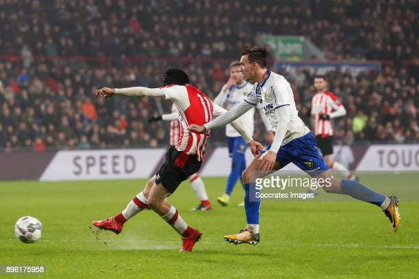 Hirving Lozano of PSV scores the fourth goal to make it 31 during the Dutch KNVB Beker match between PSV v VVVVenlo at the Philips Stadium on...