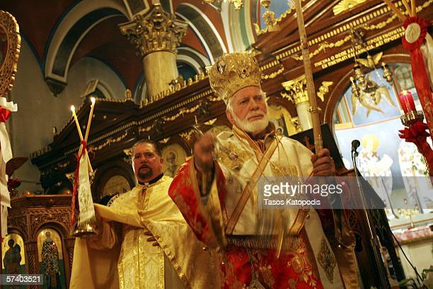 His Eminence Metropolitan Iakovos of Chicago blesses parishioners during a mass at Annunciation Cathedral on April 22 2006 in downtown Chicago for...