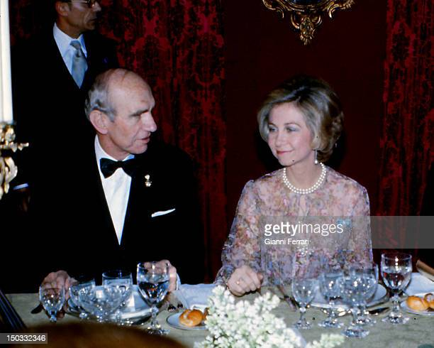 his official visit to Austria the Spanish Queen Sofia with Austrian President Rudolf Kirchschlager at a gala dinner 14th February 1978 Vienna Austria