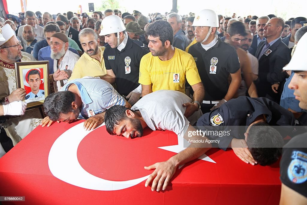 Failed coup attempt in Turkey : News Photo