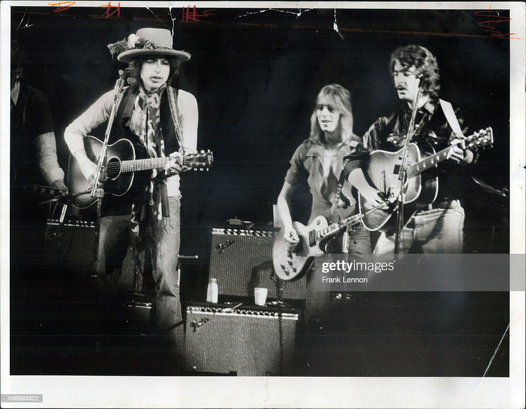 Bob Dylan and the Rolling Thunder Revue : News Photo