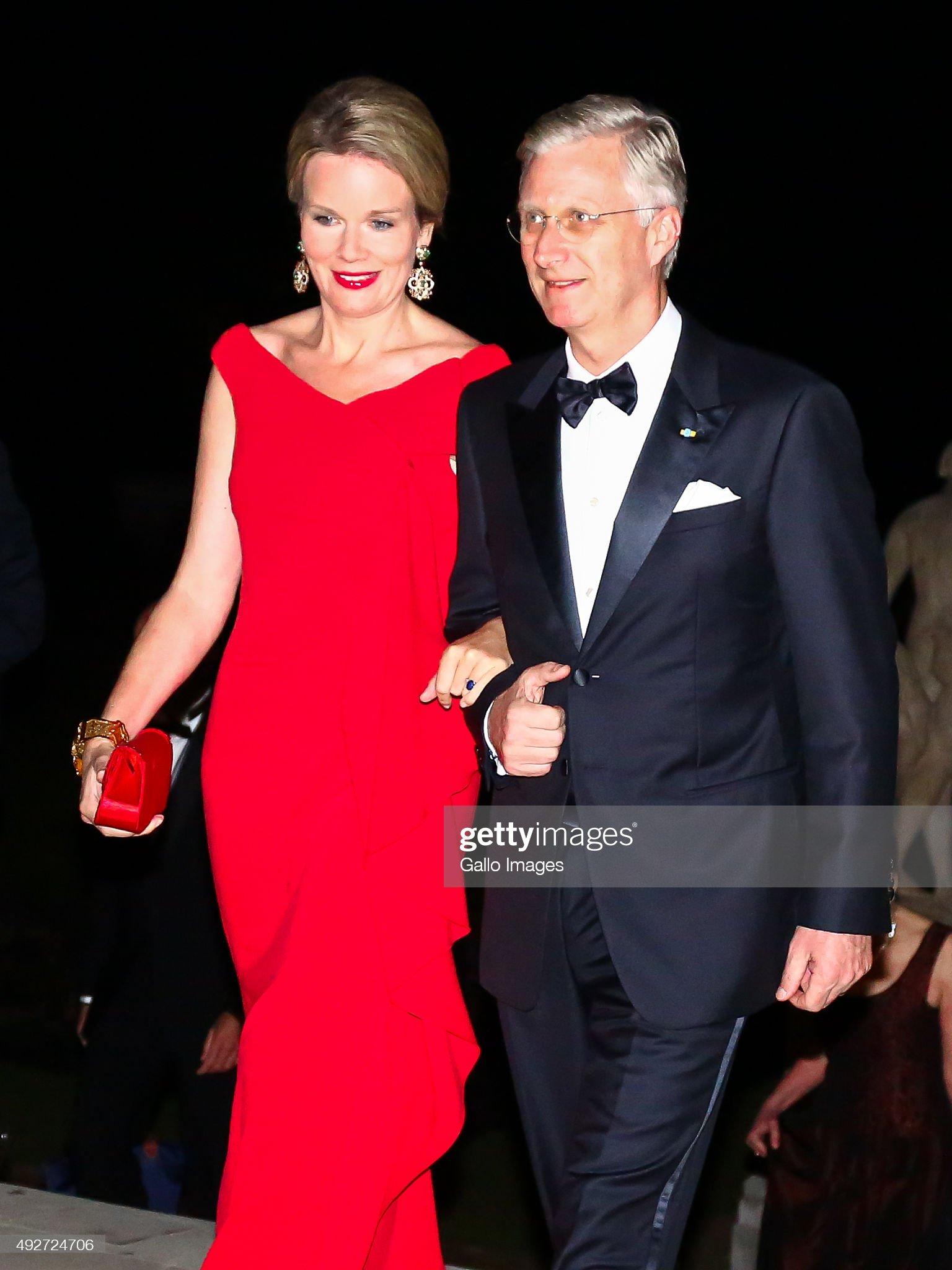 Вечерние наряды Королевы Матильды King Philippe and Queen Mathilde host Reception Dinner : News Photo