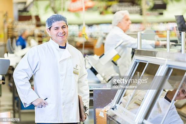 ヒスパニックブッチャーやデリマネージャーの仕事をスーパーマーケット