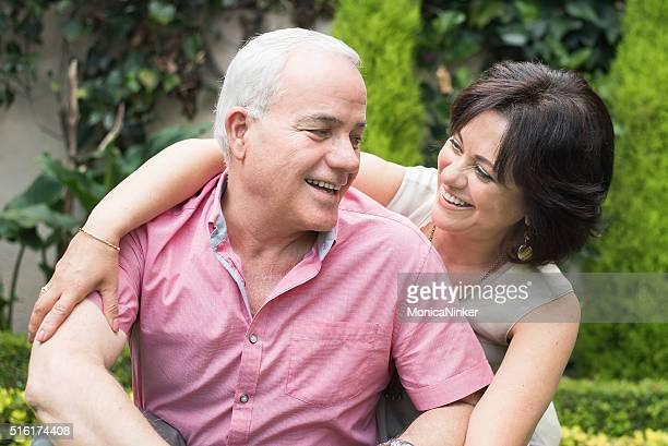 Hispanic Älteres Paar