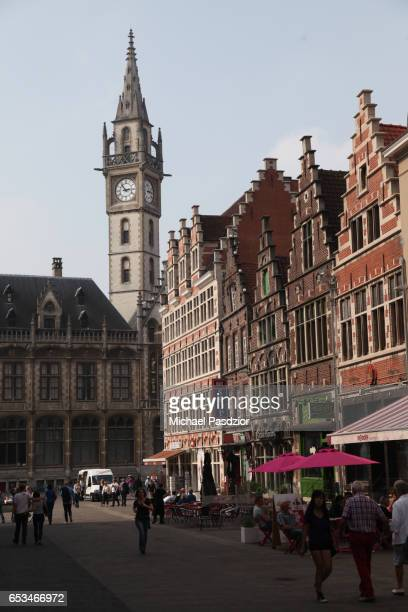 historic building at korenmarkt - 東フランダース ストックフォトと画像