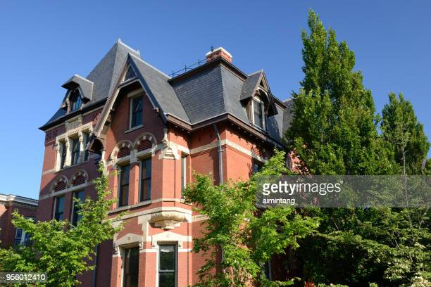 historic building in the campus of brown university - brown imagens e fotografias de stock