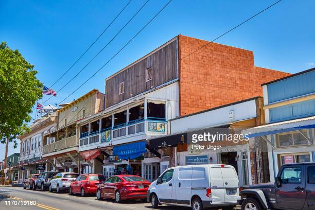 historic buildings in the town of lahaina,maui,hawaii,usa - ギフトショップ ストックフォトと画像