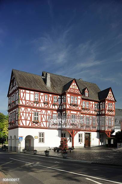 historic city hall adelsheimer hof, nassau, rhineland-palatinate, germany - michael mucha stock-fotos und bilder
