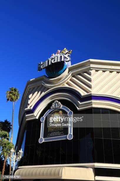 historic harrah's las vegas hotel and casino - harrah's stock pictures, royalty-free photos & images