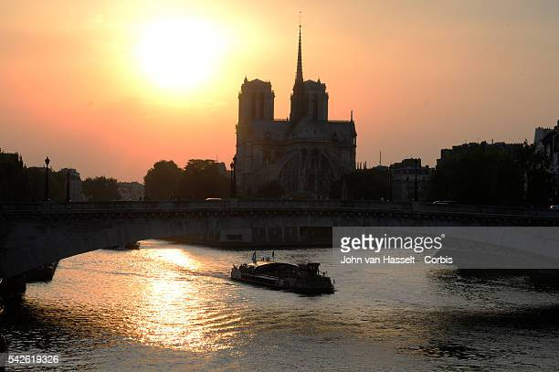 Historic heatwave in Paris reaches 40 degrees centigrate Notre Dame and the Seine river under the blistering heat Photo by John van Hasselt