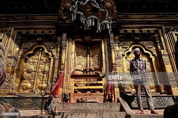 historic hindu temple of changu narayan, nepal - バクタプル ストックフォトと画像