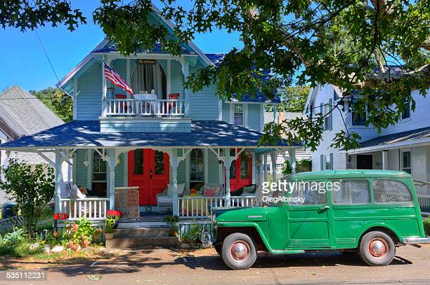 historic house in oak bluffs, martha's vineyard, massachusetts, usa. - martha's_vineyard stock pictures, royalty-free photos & images