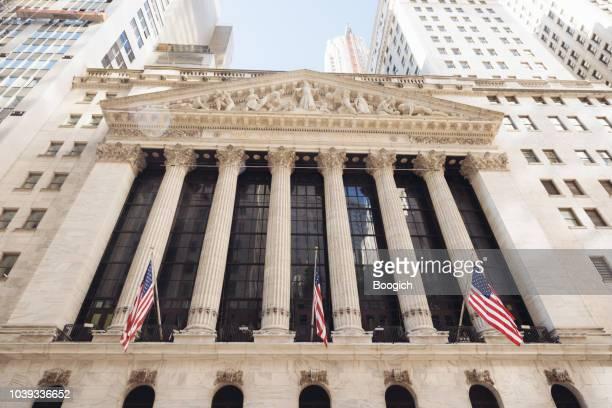 歴史的建造物ニューヨーク証券取引所外装建築 - 新古典派 ストックフォトと画像
