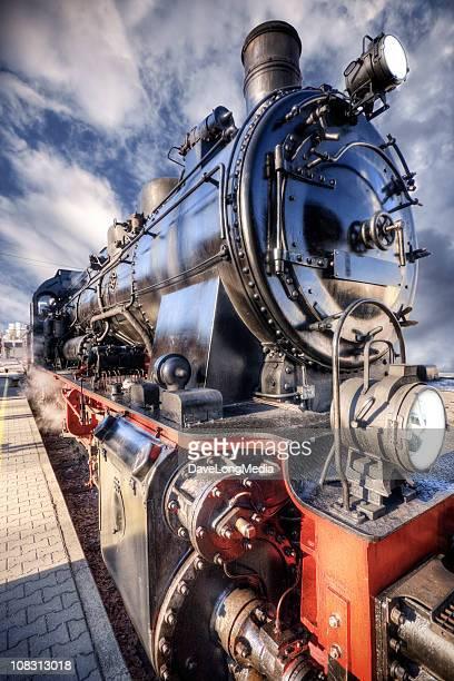 histórico locomotora - revolucion industrial fotografías e imágenes de stock