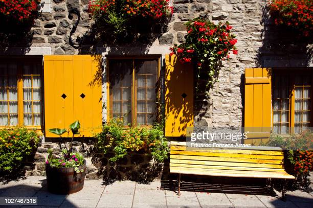 historic residential buildings - quebec city stock pictures, royalty-free photos & images