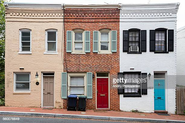 historic row houses in washington dc - terraced_house stock pictures, royalty-free photos & images