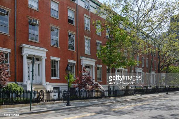 historic row houses on washington square north in greenwich village - washington square park stock pictures, royalty-free photos & images