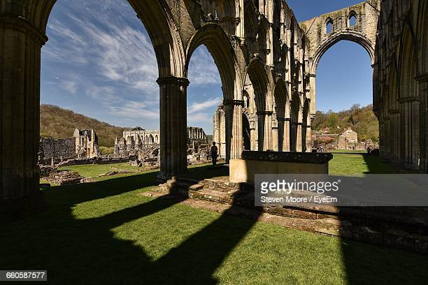 historic ruins of rievaulx abbey - rievaulx abbey stock pictures, royalty-free photos & images