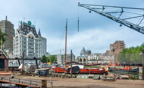 historic shipyard oudehaven rotterdam - rotterdam photos et images de collection