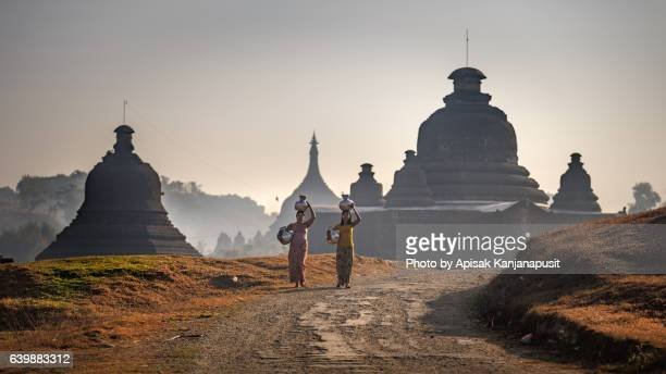 historic sites mrauk u - myanmar culture stock pictures, royalty-free photos & images