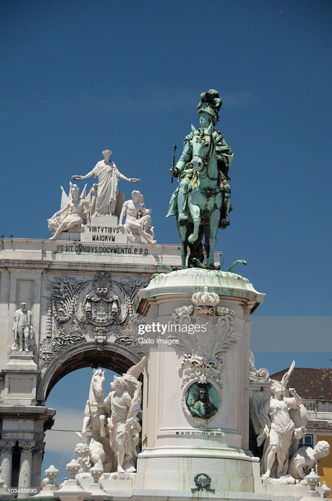 Historic statue of King Jose I, Black Horse Square, Baixa quarter, Lower Town, Lisbon, Portugal : Foto stock