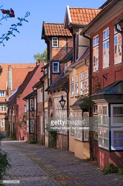 historic town houses, auf dem meere, old town, lueneburg, lower saxony, germany - lüneburg stock photos and pictures