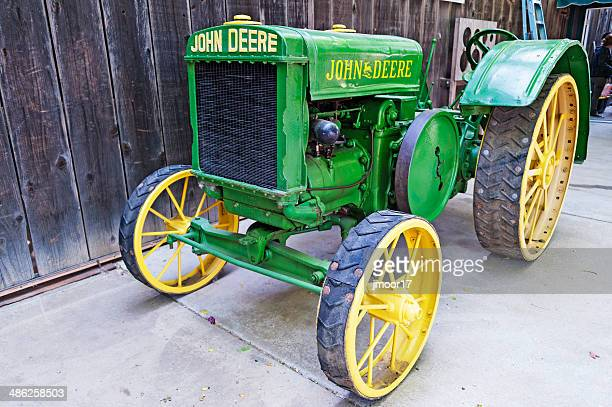 historic tractor - john deere stock pictures, royalty-free photos & images