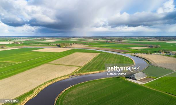historical and protected landscape in the netherlands seen from above - kleurenfoto foto e immagini stock