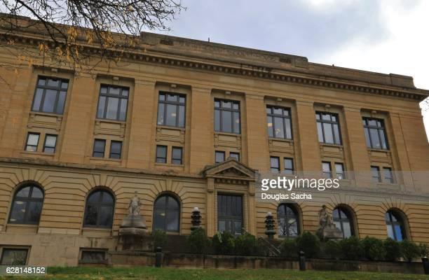 historical courthouse, summit county court, akron, ohio, usa - federal prison fotografías e imágenes de stock
