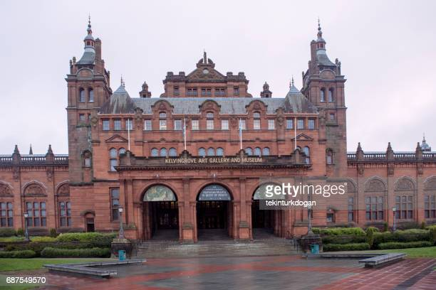 historical kelvingrove art gallery and museum at glasgow scotland england uk - kelvingrove art gallery and museum stock pictures, royalty-free photos & images