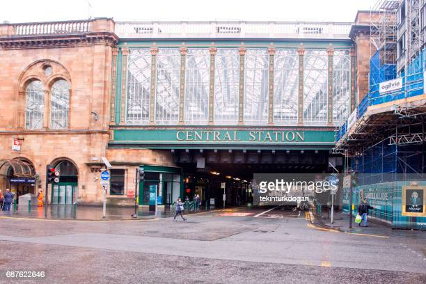 historical old city central train station at glasgow scotland england - old glasgow stock photos and pictures