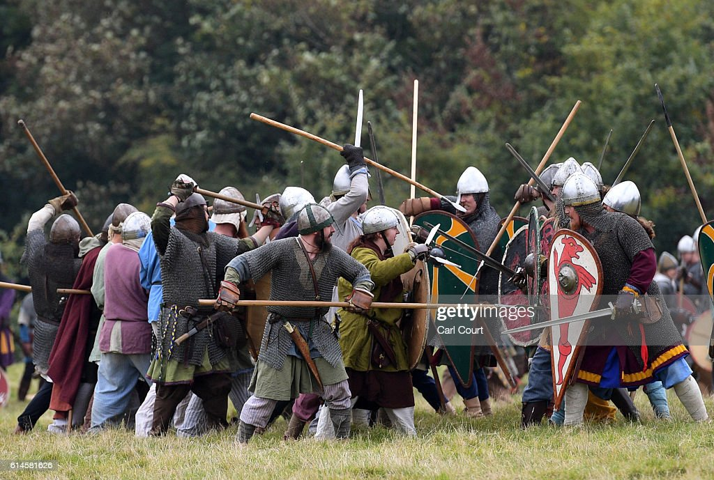 Re-enactors Prepare For The Battle Of Hastings For 950th Anniversary : News Photo