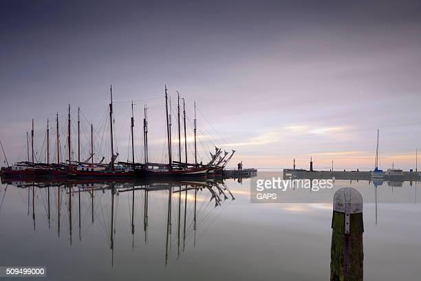 Historique de voilier dans le port de Volendam