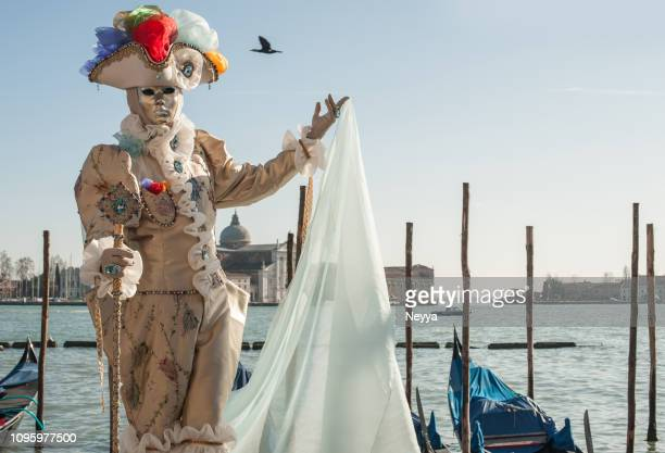historical venetian costume with mask at venice carnival - fat tuesday stock pictures, royalty-free photos & images