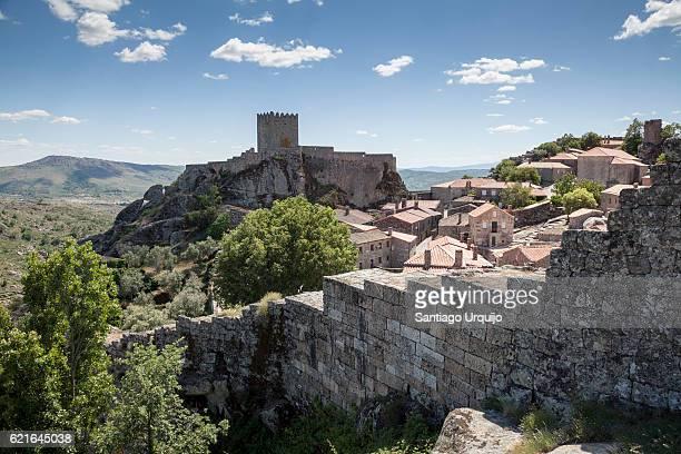 historical village of sortelha - história imagens e fotografias de stock