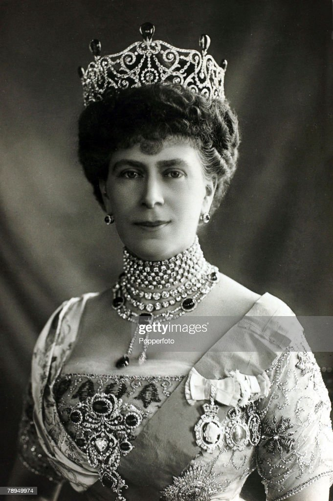 History Personalities. British Royalty. pic: 1910's. HM.Queen Mary, portrait. Queen Mary (1867-1953) born Mary of Teck, became Queen Consort when her husband King George V ascended the throne in 1910. : News Photo
